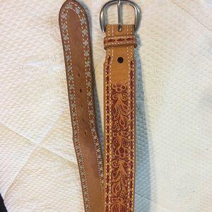 Western Cowboy Hand Tooled Belt Flower/Leave Sz 28